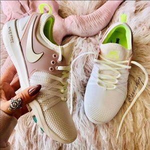 NWT Nike Free trainers